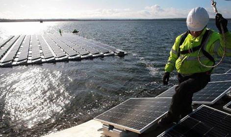 london floating solar farm